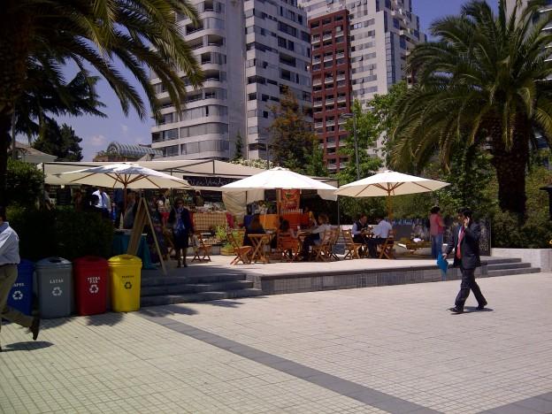 Mo Plaza Perú